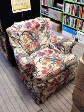Setz dich und lies! - Sit down and read!