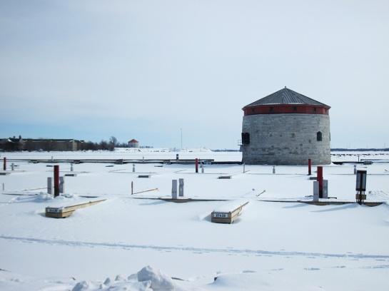 Royal Military College (l.) und Befestigungstürme - Royal Military College (l.) and Fortification Towers